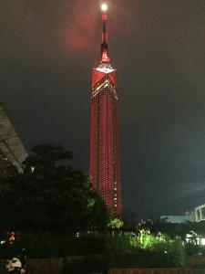 一日だけの REDタワー